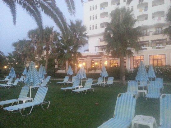 Creta Star Hotel : vestuté des transat