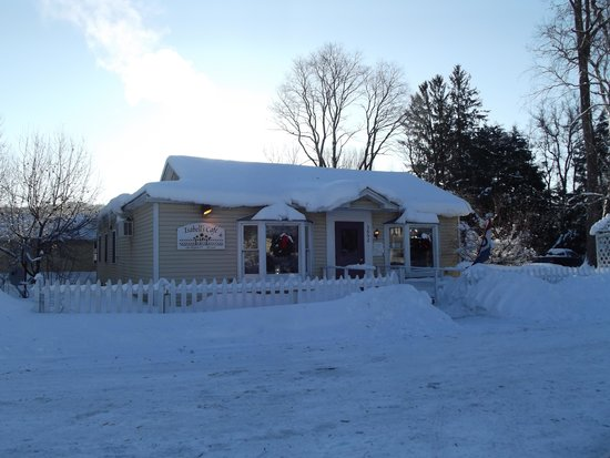 East Thetford, VT: Morning after March 2014 Blizzard - Isabelle's is OPEN! Yeah!!!