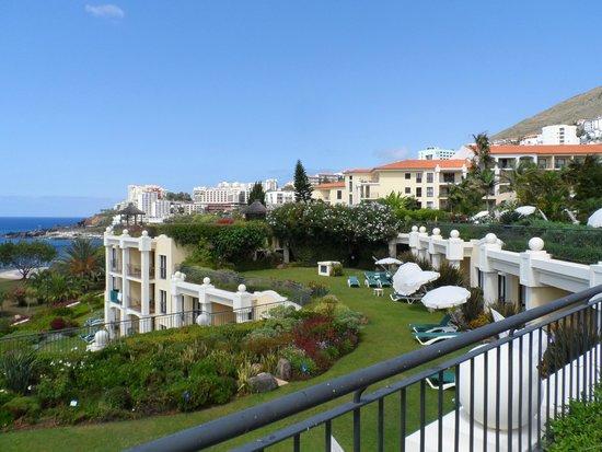Suite Hotel Eden Mar: Uitzicht vanuit de tuin van het hotel