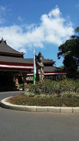 The Jayakarta Bali Beach Resort: Hotel entrance