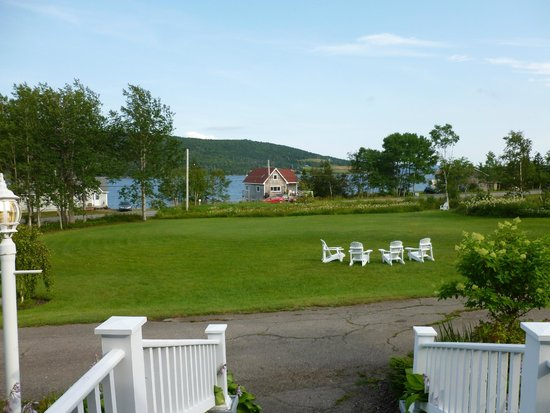 Broadwater Inn: View from porch of grounds and Bras D'Or lake
