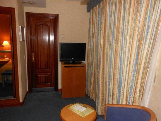 Gran Versalles Hotel : TV