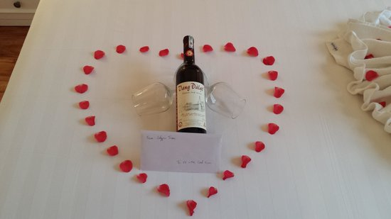 Calypso Suites Hotel : our welcome gift