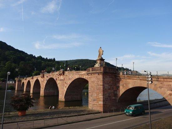 Carl Theodor Old Bridge (Alte Brucke): Alte Brücke di Heidelberg.