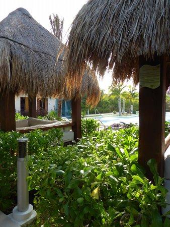 Paradisus Playa del Carmen La Perla: Sofa piscine