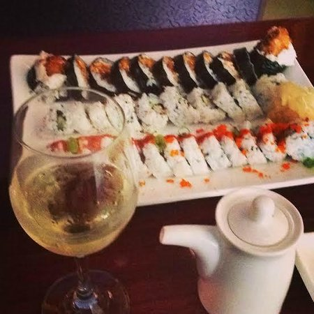 Basil Thai & Sushi: Maki Combo + Seaglass Riesling