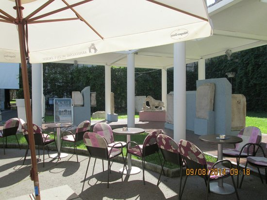 Archaeological Museum and Andautonia Archaeological Park: Museum Cafe