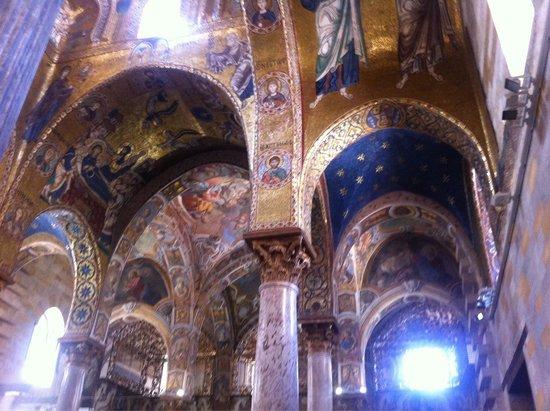 Santa Maria dell'Ammiraglio (La Martorana): Interior