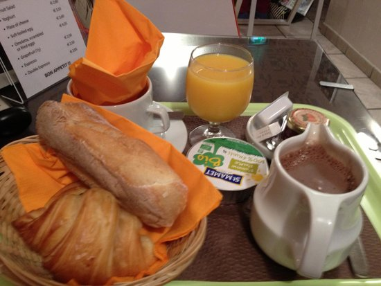 Hameau De Passy: The breakfast