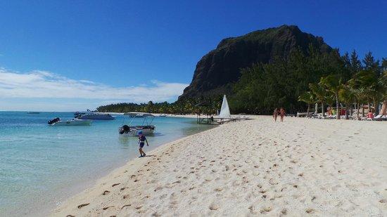 LUX* Le Morne: пляж Ле Мон