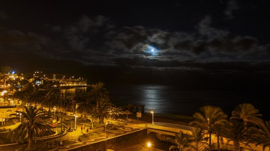 Vila Galé Santa Cruz: вид с балкона ночью