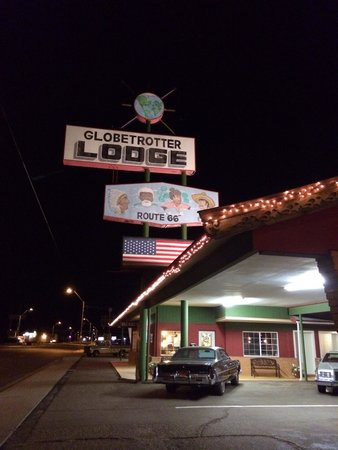 Globetrotter Lodge: Sign from Route 66