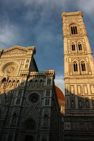 Kathedrale Santa Maria del Fiore: Duomo and campanile in the evening sun