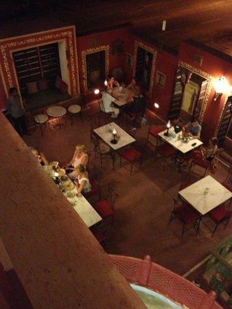 Hotel Harasar Haveli: salle de restaurant en terrasse