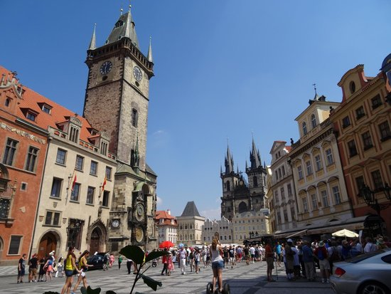 Old Town Hall and Astronomical Clock : Clock tower and pedestrian walk