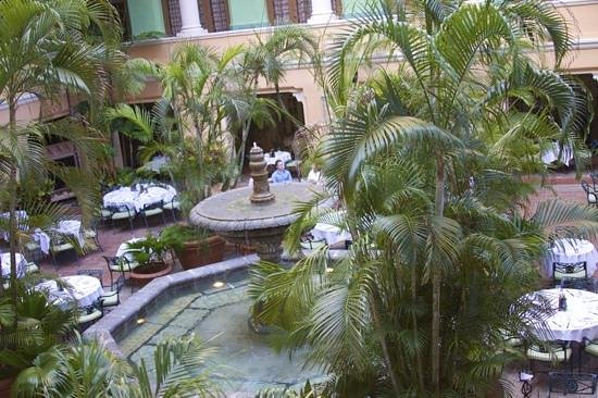 The Biltmore Hotel Miami Coral Gables: an open courtyard serves the guests in air cooled by the lush greenery.