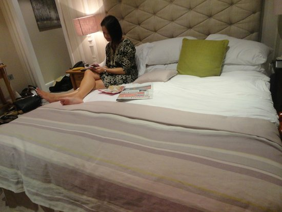 Laura Ashley The Manor Elstree: Superking bed ( The Mrs is not included - she costs too much anyway)