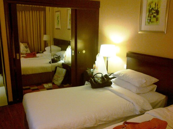 Flora Grand Hotel: One of our rooms- Twin