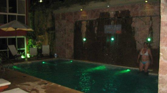 Pileta de noche con iluminaci n picture of hotel jardin de iguazu puerto iguazu tripadvisor - Hotel jardin iguazu ...
