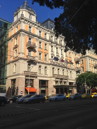 Corinthia Hotel Budapest : From the street