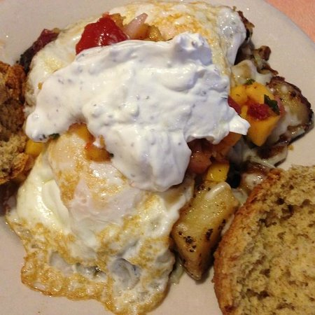 The Bluegrass Grill & Bakery: Luchador with salsa and home fries