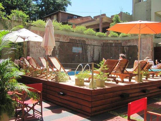 Hotel Jardín de Iguazú: Pileta de día