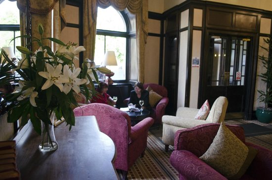 Parliament House Hotel: Our Lounge