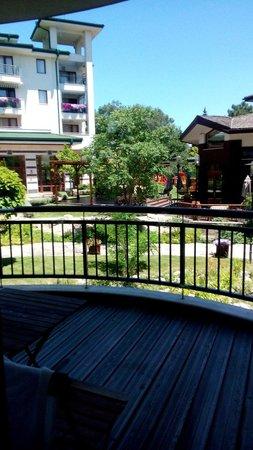 Emerald Beach Resort & Spa: Балкон-вид на парк, корпус Икат