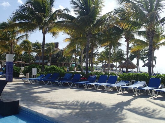 BlueBay Grand Esmeralda : Piscine/Plage