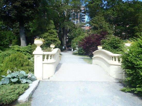 Halifax Public Gardens : Garden ground