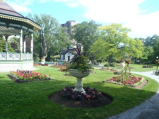 Halifax Public Gardens : Grounds