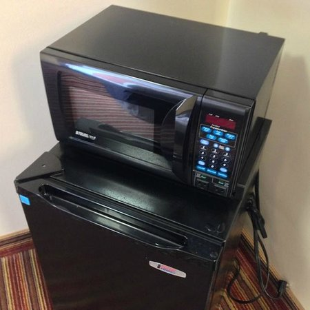 Excel Inn & Suites: Microwave and mini fridge