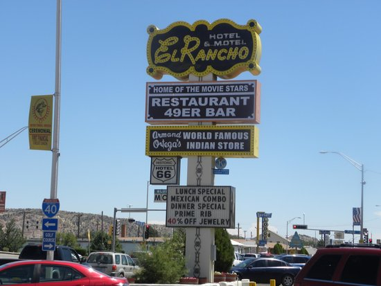 El Rancho Hotel & Motel: Marquee