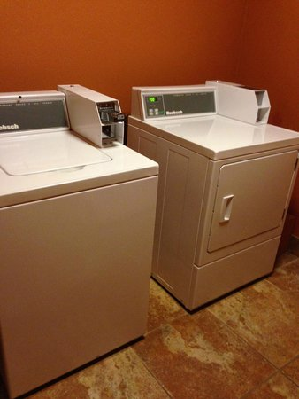 Best Western Plus Vermilion River Suites Hotel: Washer/Dryer for Fee