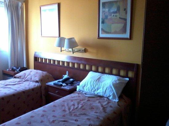 Hotel Milan : habitación muy luminosa