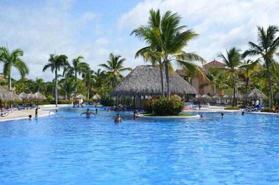 Grand Bahia Principe Bavaro: Piscine du centre