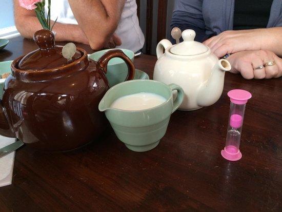 The Fourteas: Waiting for the tea to brew!