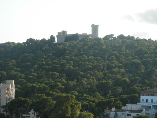 Hotel Isla Mallorca & Spa: Bellver Castle from balcony