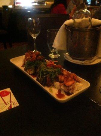 Crowne Plaza Maruma Hotel & Casino : Plato de selección de sushi restaurante La Fontana Lobby Bar