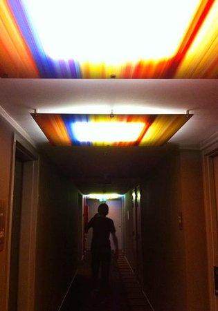 Aloft Brussels Schuman Hotel: Коридор