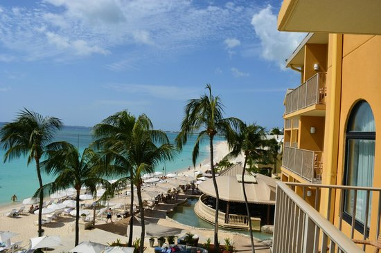 Grand Cayman Marriott Beach Resort: Looking North