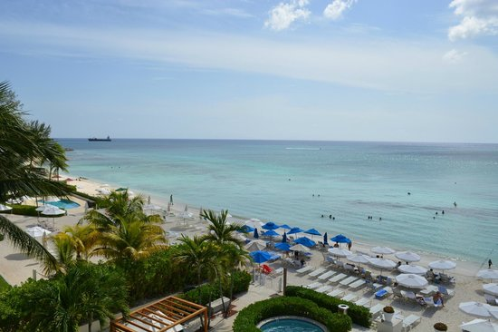 Grand Cayman Marriott Beach Resort: Looking South