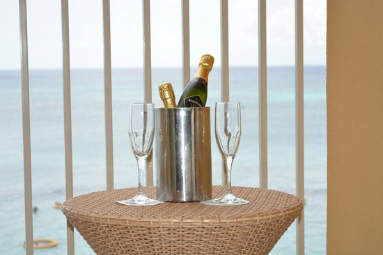 Grand Cayman Marriott Beach Resort: Happy Birthday !!