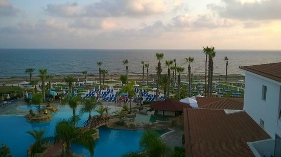 SENTIDO Cypria Bay: Pool view