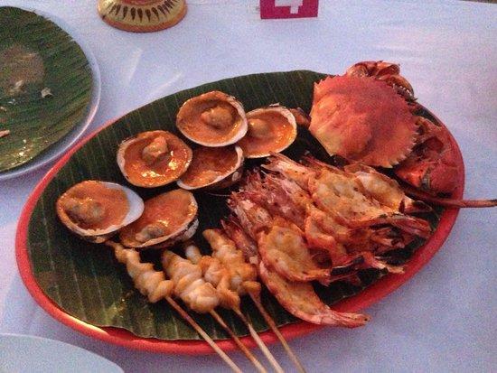 Bayang Cafe: Seafood for 320'000 IDR - very nice