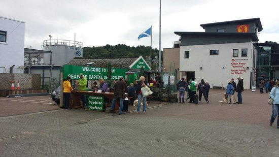 Oban Seafood Hut: A busy wee hut on the pier!
