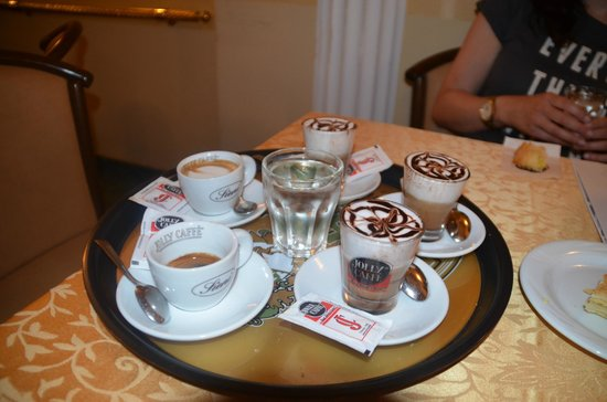 Florence for Foodies: Early morning coffee
