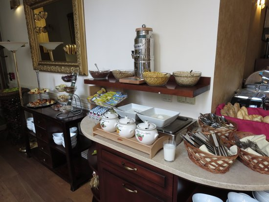 Boutique Hotel Seven Days : 朝食コーナー(続き)