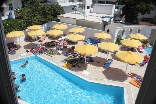 Petit Palais : Pool area
