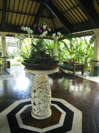 Hotel Vila Lumbung: Reception area